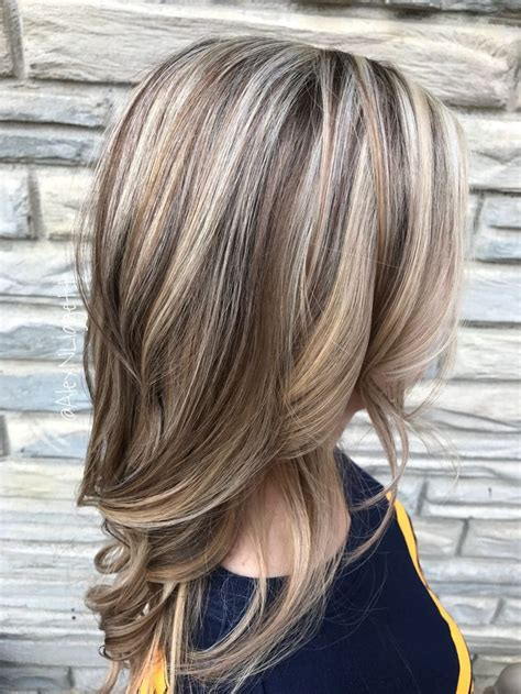 short hairstyles light brown with blond highlights best light brown hair with blonde highlights 2017 light