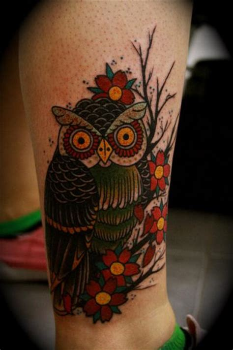 tattoo old school hibou signification tatouage old school jambe hibou par all star ink tattoos