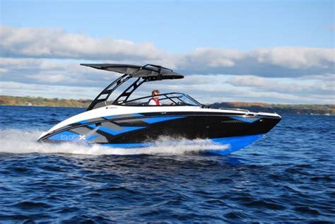 boat graphics ottawa 2016 yamaha 242x e series jet bateau critique du bateau