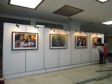 Jual Nes V Balikpapan pemasangan panel photo di kemenkes partisi pameran