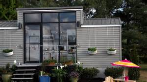 Small Homes Big Families A Family Of 3 Can Live In This Tiny House Take A Look