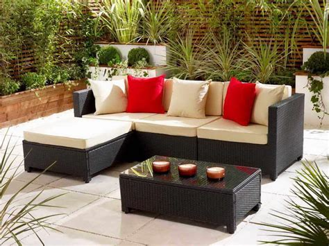 Comfortable Outdoor Patio Furniture Sets For Small Spaces