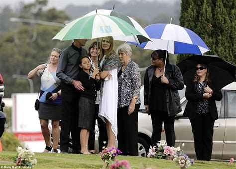 natalie brown new zealand tara brown s family arrive at funeral service and rally