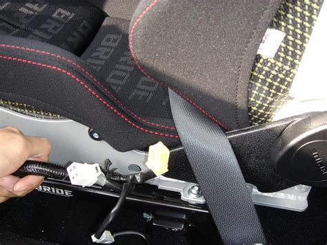 what does it when the airbag light is on does anyone how to bypass the airbag light and weight