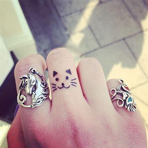 tattoo cat cute 100 simple elegant tattoo designs hongkiat