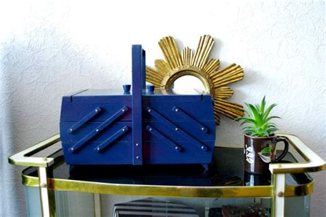 Vintage Nachtkästchen by Diy Sewing Box Makeover Reader Feature The Graphics