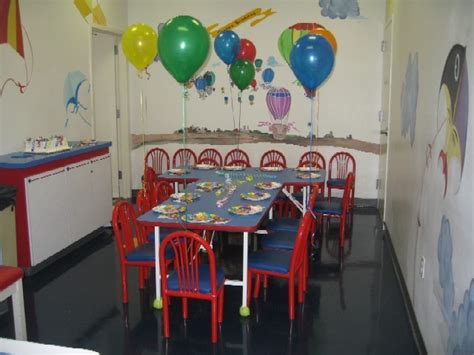 how to decorate a birthday party at home birthday decoration ideas party favors ideas