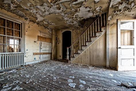 urban exploration abandoned livingston farm house