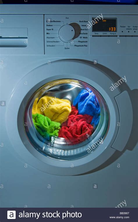 washing colored clothes washing machine tips how to wash colored clothes laundry