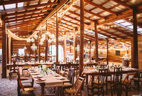 fall wedding venues new 6 awesome fall wedding locations the snapknot
