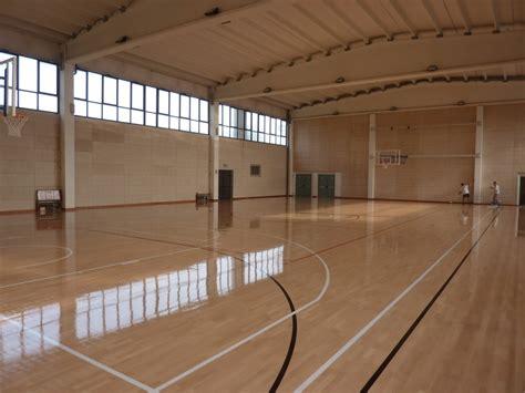 pavimento per palestra pavimento in legno per palestre dalla riva sportfloors
