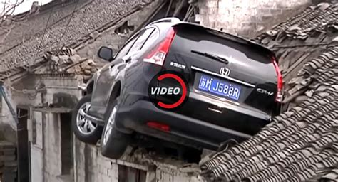 china house anderson in honda cr v crashes into the roof of a house in china