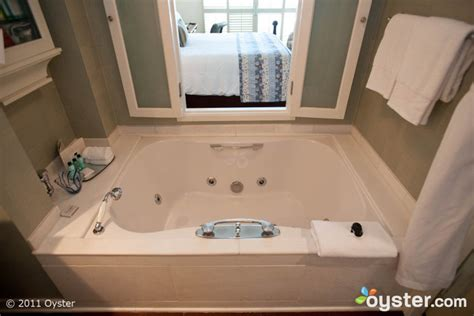 bathtubs los angeles the five most amazing hotel bathtubs oyster com