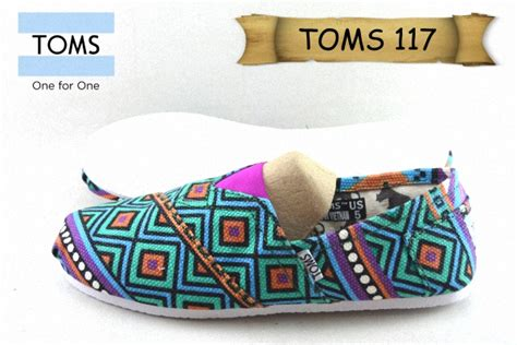 Sepatu Boot Spon sepatu toms 117 kanvas spon toms25