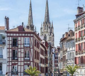 Guide De Voyage Bayonne Le Guide Vert Michelin