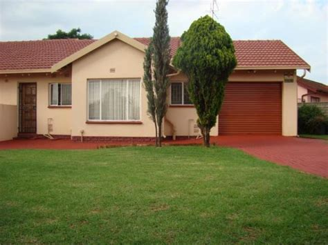 do 2 bedroom houses sell 3 bedroom house for sale for sale in lenasia south home