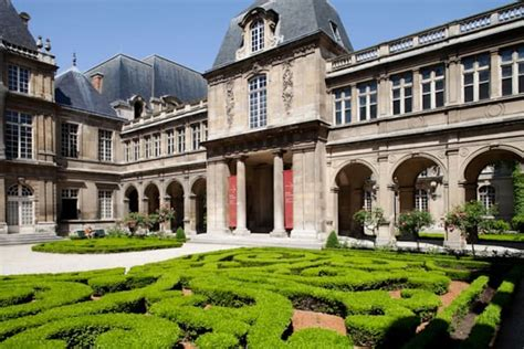 Le Patio Beauvais by Marais Finest Architecture
