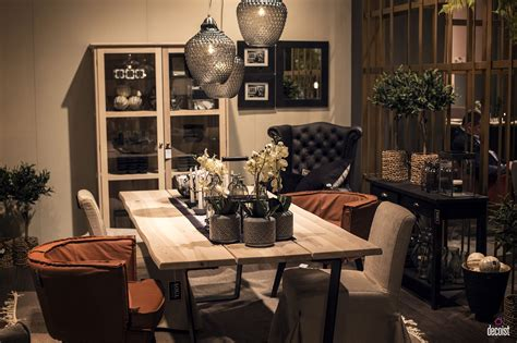 the modern dining room 15 ways to bring rustic warmth to the modern dining room