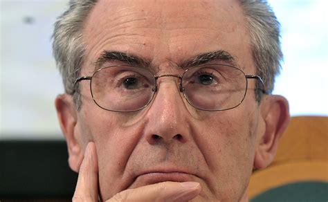 luciano gallino il colpo di stato di banche e governi gallino quot un colpo di stato 232 in atto in italia e in