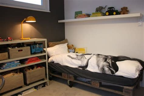 kids pallet bed pallet addicted 30 bed frames made of recycled pallets