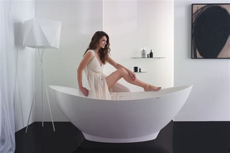bathtub outlet aquatica purescape 621m freestanding solid surface