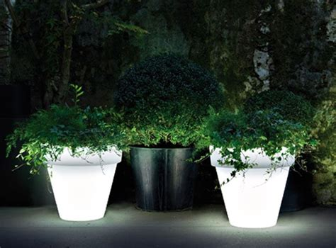 Lighted Planters by 97 Best Lighted Pots Images On Flower Pots Outdoor Lighting And Garden Ideas