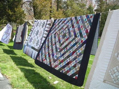 Quilt Shops In Lancaster Pa by Amish Quilts On A Line In Lancaster Pa Amish Quilts