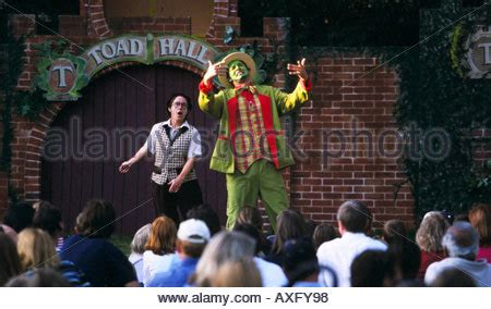 Wind In The Willows Botanic Gardens Melbourne Australian Shakespeare Company S Wind In The Willows Royal Botanic Stock Photo Royalty Free