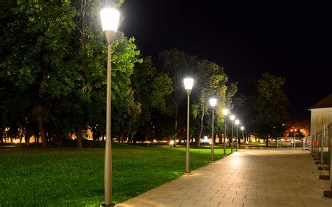 8 common commercial landscape lighting mistakes you can