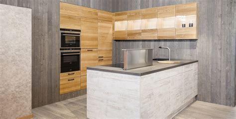 einbauküchen modelle dekoration wohnzimmer rot