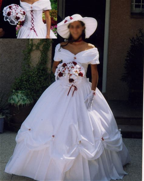 Umama Organza Premium Motif 3 robe de mari 233 e blanche avec lacet