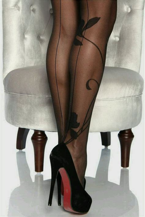 coloured patterned heels 816 best coloured or patterned tights images on pinterest