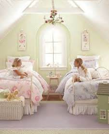 Vintage Floral Comforters Share Space With Pottery Barn Kids Bedroom Sets Nice
