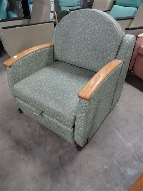 hospital grade recliner chairs k c auctions minneapolis hospital and warehouse surplus
