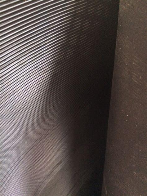 tappeto di gomma lastra gomma tappeto millerighe nero sp 3 mm