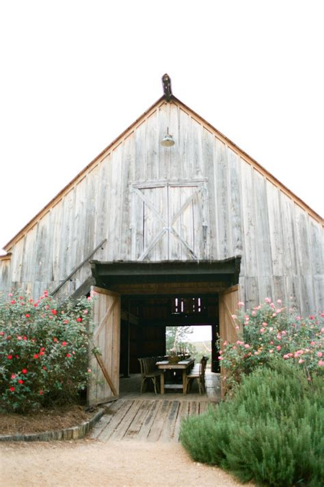 barn wedding venues southern 25 breathtaking barn venues for your wedding southern living