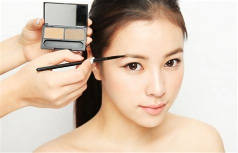 tips membuat alis wajah bulat cara membentuk alis sesuai bentuk wajah
