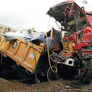 gambar kemalangan melibatkan  kenderaan  ayer keroh