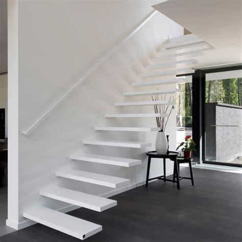 dichte corian zwevende trappen op maat genico anyway doors