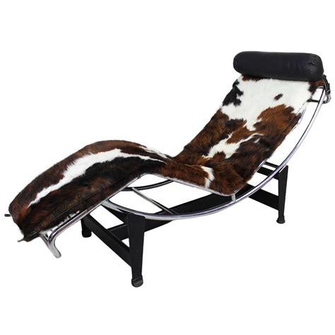 Le Corbusier Lounge Chair by Le Corbusier Lounge Chair At 1stdibs