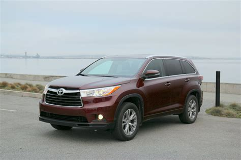 2015 Toyota Highlander Xle Review 2014 2015 Toyota Highlander Xle 7 Seat Crossover Review