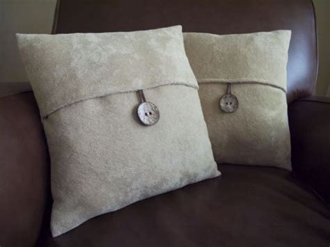 Pillow Cover Tutorial by Button Pillow Tutorial Sewing