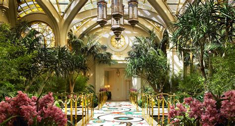 Boston Home Decor by Encore At Wynn Las Vegas Cheap Vacations Packages Red