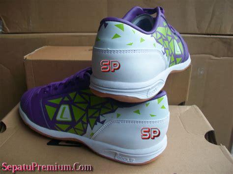 Sepatu Futsal League Hattrick league hattrick 2 ic pansy white lime punch sepatu bola sepatu futsal sepatu bola original