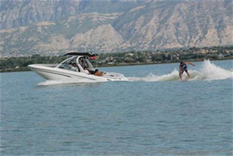 wake boat driving tips wakesurf boat rentals wakesurf lessons wakesurf equipment