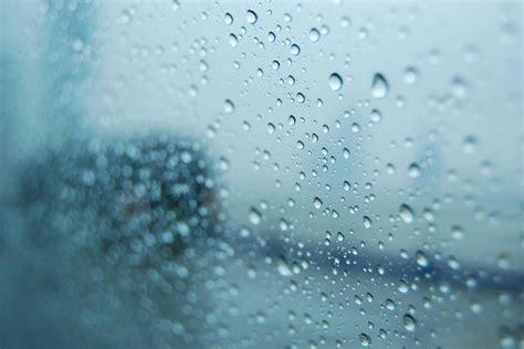 effetto bagnato photoshop すぐに拭き取るように 窓に水滴が結露した時の適切な対処法3選