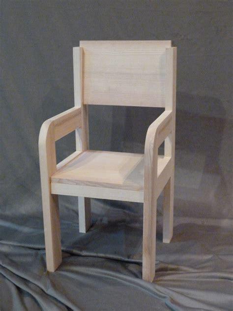 chaise en bois pour enfant chaise bois table basse table pliante et table