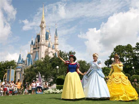 Disney World in a Wheelchair : Wheelchair Resources at Disney World : Travel Channel   Travel