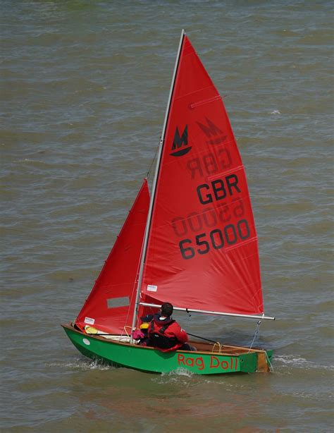 dinghy boat numbers how to tell the age of a boat from it s sail number