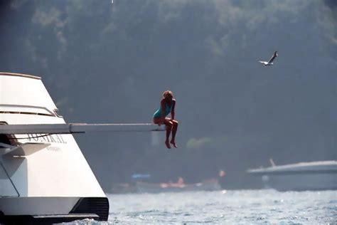 the open boat did the oiler die a marina di loano il mega yacht sokar ultimo rifugio di